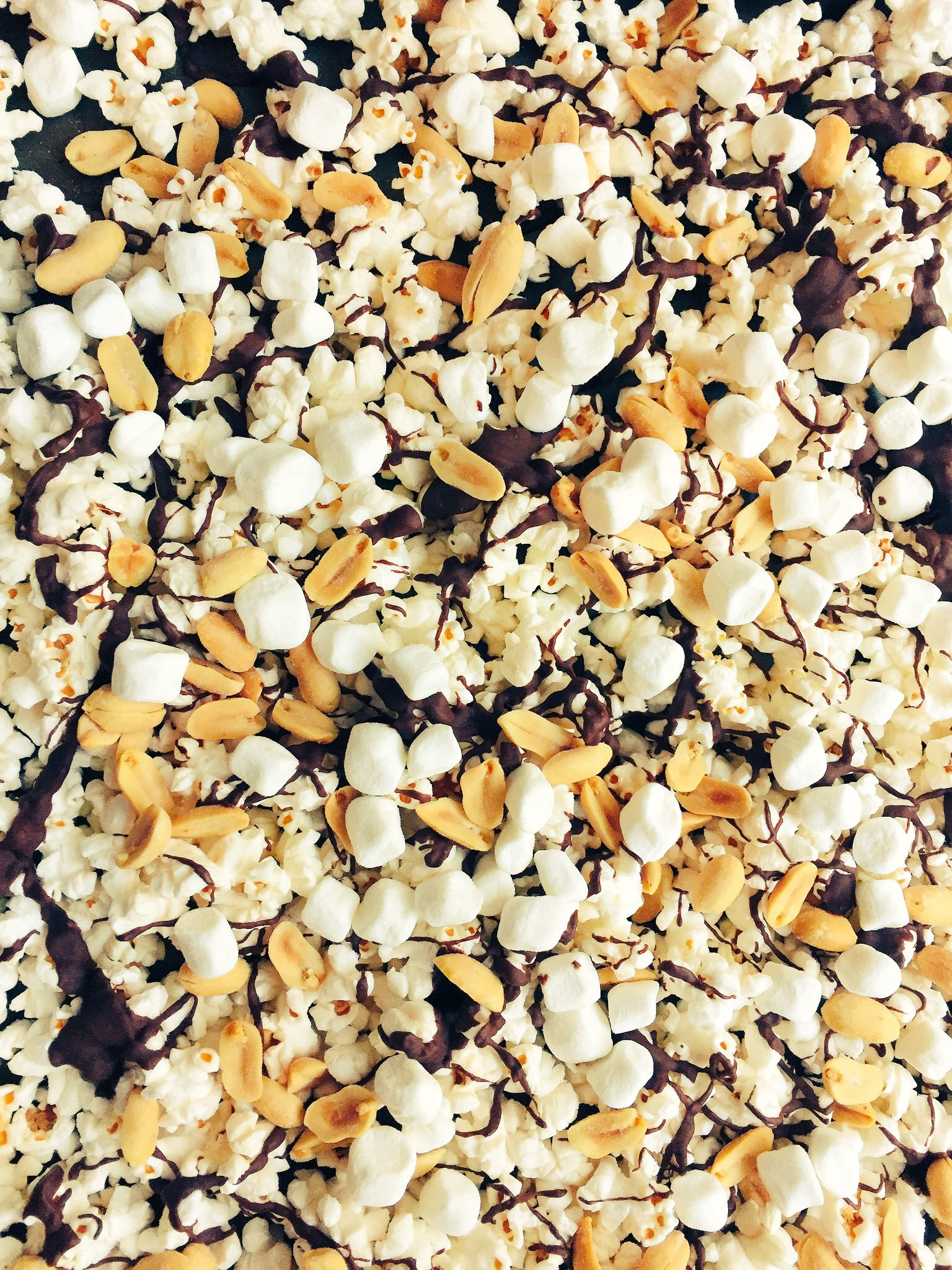 Peanut Chocolate Popcorn